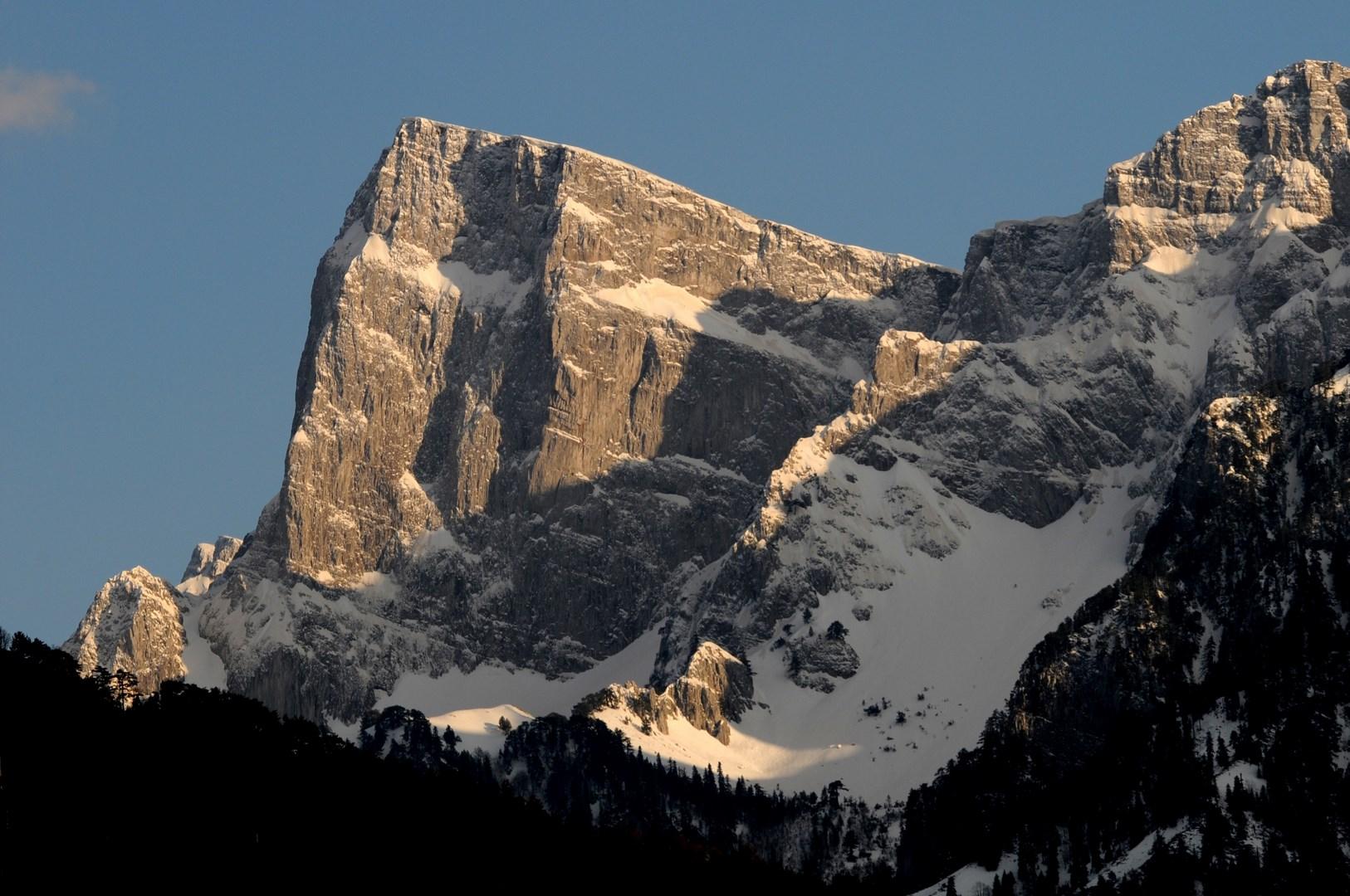 Γκαμήλα κορυφή (2497μ), η υψηλότερη κορυφή της Τύμφης - ΧΑΡΗΤΑΚΗΣ ΠΑΠΑΙΩΑΝΝΟΥ/ HARITAKIS PAPAIOANNOU