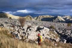 1023 Έρευνα πεδίου για τον εντοπισμό σπηλαιοβαράθρων. - ΜΑΝΩΛΗΣ ΔΙΑΜΑΝΤΟΠΟΥΛΟΣ/ MANOLIS DIAMANTOPOULOS