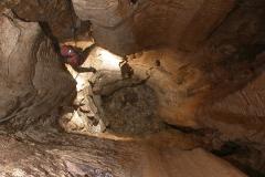 1025 Κάθετος αγωγός στην Τρύπα του Όρνιου 1024 Χάσμα του Έπους (-455μ) 1024 Σπηλαιολόγος σε βάραθρο 1023 Έρευνα πεδίου για τον εντοπισμό σπηλαιοβαράθρων. - ΜΑΝΩΛΗΣ ΔΙΑΜΑΝΤΟΠΟΥΛΟΣ/ MANOLIS DIAMANTOPOULOS